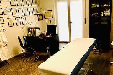 Centro massaggi: Osteopathic and Physiotherapic Institute, Loreto, Milano