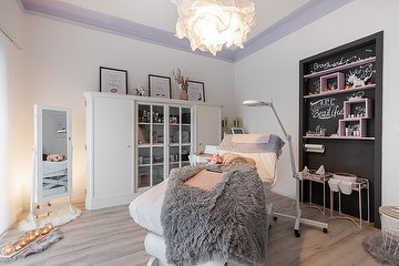 AttractEve Ihre Beauty Lounge in Kaarst