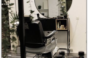 CUT barber room