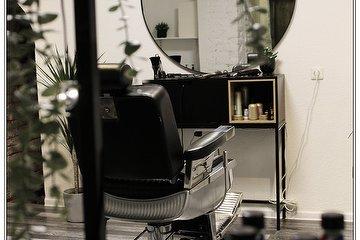 CUT barber room