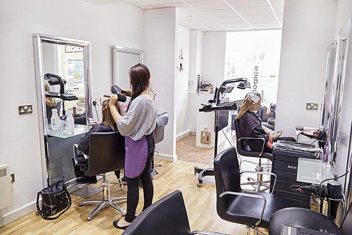 Randle Randle Hair Beauty Salon Beauty Salon In Ecclesall
