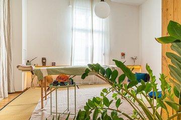 Tara Massage Artist bei Praxis Sandra Groth, Warschauer Straße, Berlin