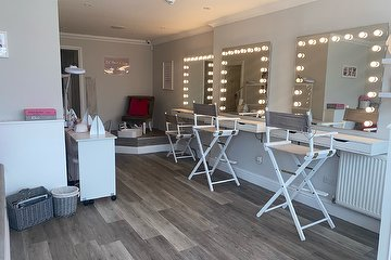 Beauty Rooms by Alex