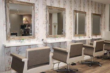 Salon at No.1