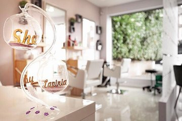 She Beauty Center