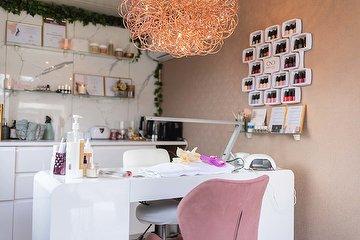 Holzhaus Cosmetics - De Lak Studio
