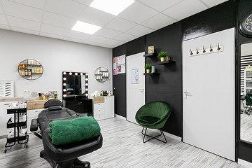 Beauty Salon by Kinga Switek