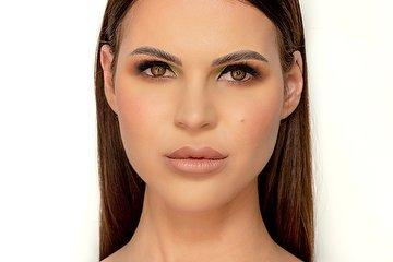Hannah Olive Makeup