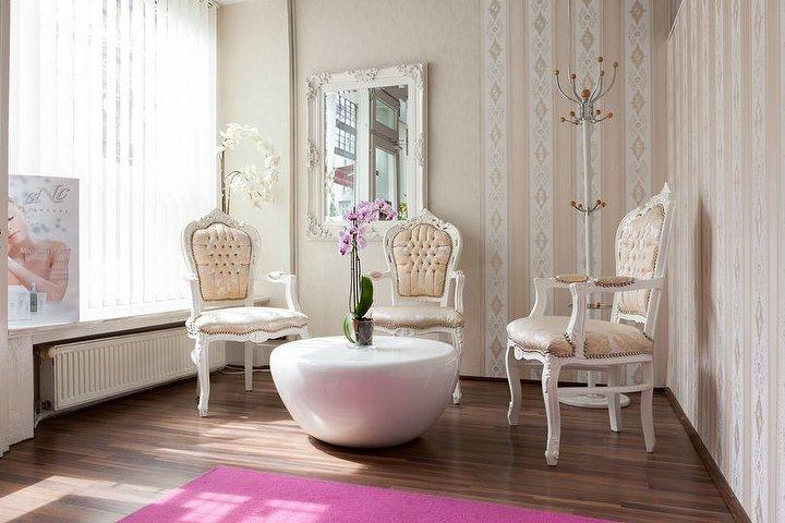 skinepil kosmetikstudio in sch neberg berlin treatwell. Black Bedroom Furniture Sets. Home Design Ideas