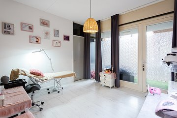 Beauty salon La Lune, Laakkwartier en Spoorwijk, Den Haag
