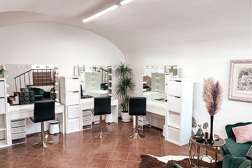Upgrade Beauty Studio
