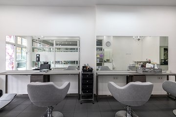 Canas Hairstyling