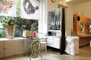 Salon Dina