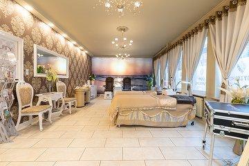 Beauty Lounge & Professional Nails