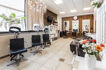 Neda Hair & Beauty Salon