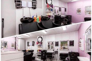 Creme de la Creme Hair & Beauty Boutique, Widnes, Cheshire
