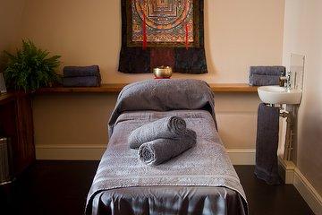 Face Massage & Healing by Monika
