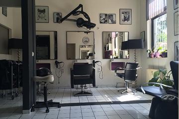 Haarschnitt Karla, Frechen, Rheinland