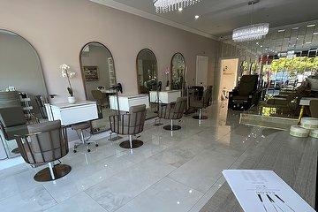 Ivi Salon