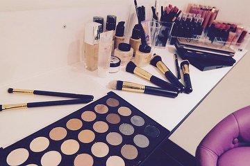 Make It Real Make-Up Artistry & School, Mitte, Berlin