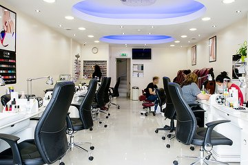 Jennifer's Nails - Colindale