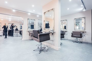 House of Finesse Hair Salon - Urmston