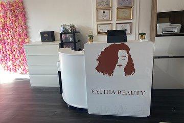 Fatiha Beauty, Cergy