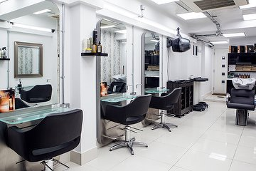 Stasi Salon