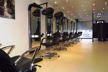 La Moda Hair & Beauty Salon