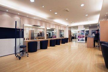Mod's hair - Champs-Élysées Chez Lucie Saint Clair