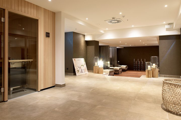 spa sports reichshof im reichshof hotel hamburg massagestudio in st georg hamburg treatwell. Black Bedroom Furniture Sets. Home Design Ideas