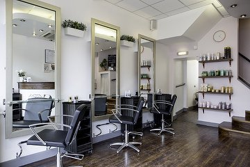 Pink & Rose Salon