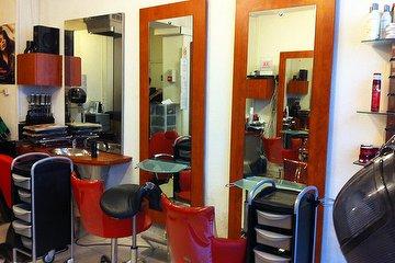 Locks Twists Tresses Salon, Jules Joffrin, Paris
