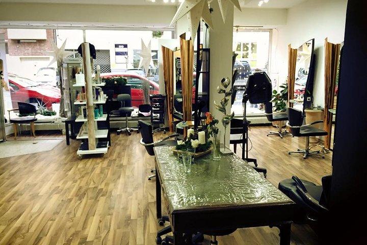 Top Hair Schnitt Friseur In Ehrenfeld Köln Treatwell