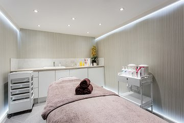 Belle Cour Beauty Salon - Westminster