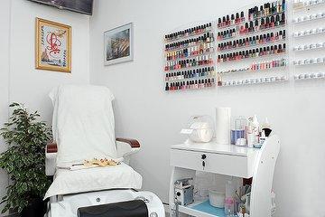 Phu's Beauty & Wellness Studio