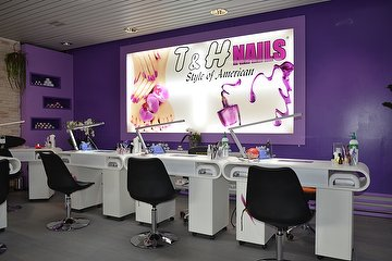 T & H Nails Adliswil
