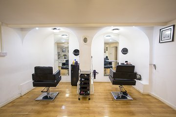 Solange Bee Hair & Beauty Salon