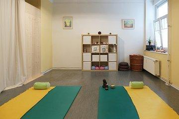 Sport-und Entspannungstherapie Carome Namaste, Friedrichshain, Berlin