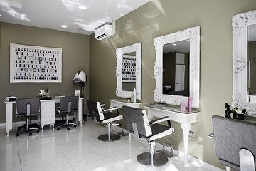 Chic Touch Hair & Beauty