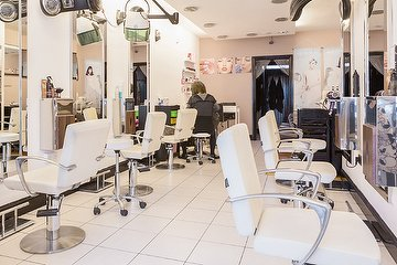 We Hair Studio