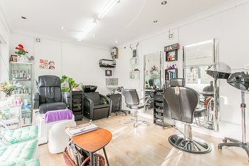 London Beauty & Hijama Clinic