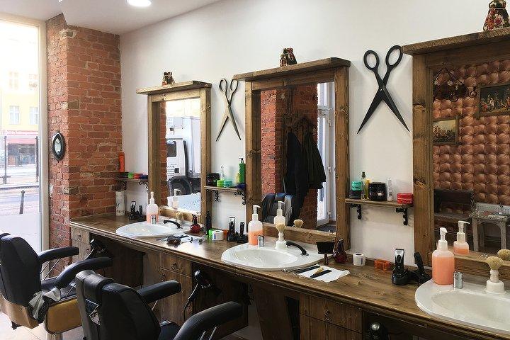 Throne Friseur Barbershop Barber Shop In Prenzlauer Berg Berlin