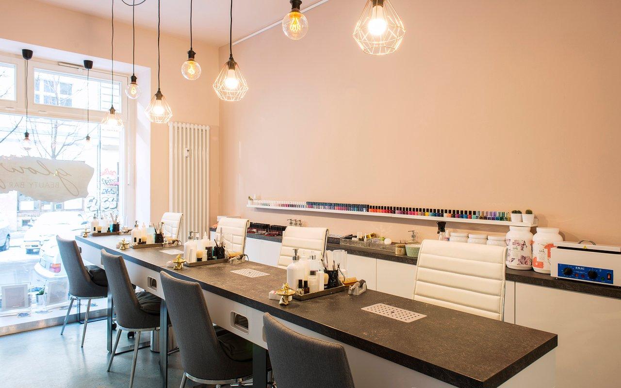 Glowy Beauty Bar | Kosmetikstudio in Mitte, Berlin - Treatwell