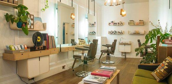 Ralph and rice hair salon in shoreditch london treatwell for Hair salon shoreditch