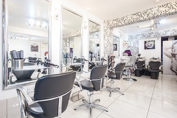 Lily Salon Hair & Beauty
