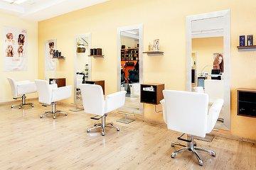 Loira Hairstyling