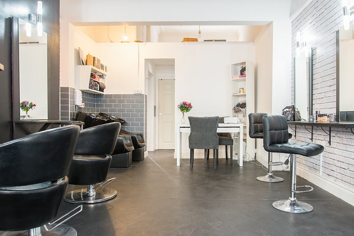 massage and haircut makeup amp bar salon in leith edinburgh 4837 | v2.i980415.w720.h480.x4837AE82