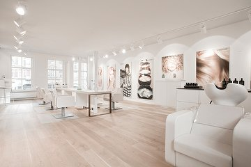 La Maison Amsterdam - Hair & Skin