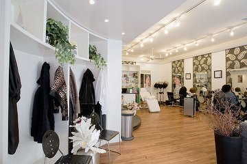 Merlien Hair & Weave Stylist